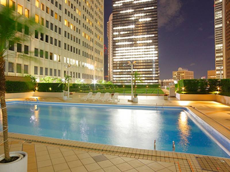 Keio Plaza Hotel Pool